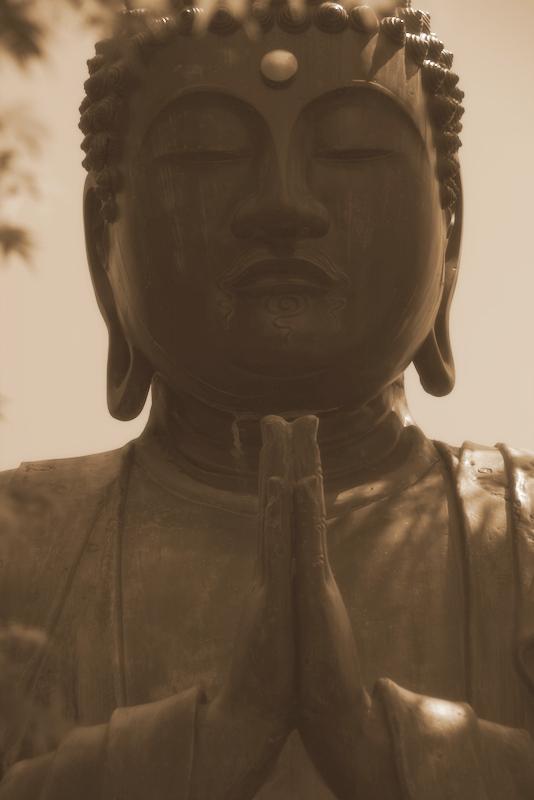 Buda del cementerio de Yanaka en Tokio