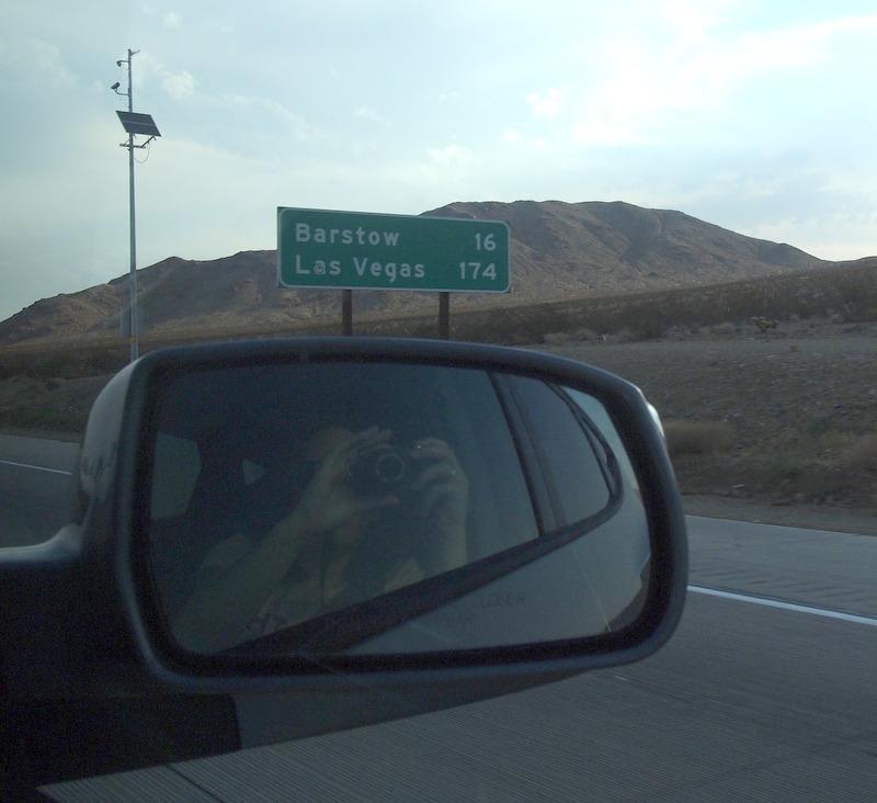 cartel de millas hasta Barstow y Las Vegas