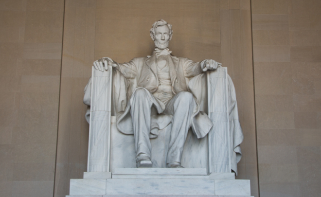 estatua de Abraham Lincoln en el Lincoln Memorial de Washington DC