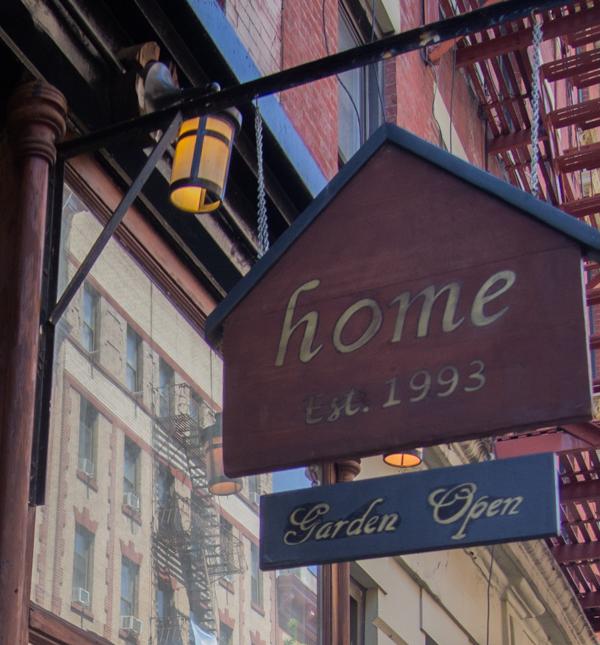 cartel del restaurante Home en Nueva York