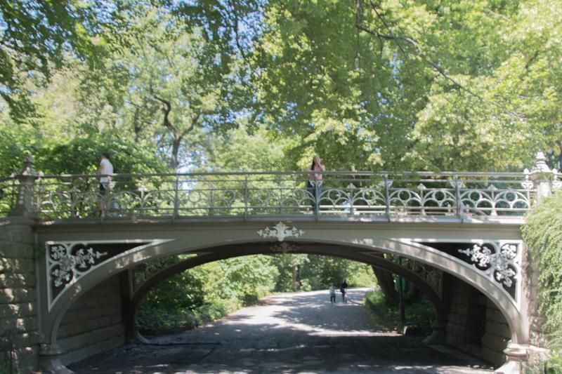 Lidia en uno de los puentes del Central Park de Nueva York