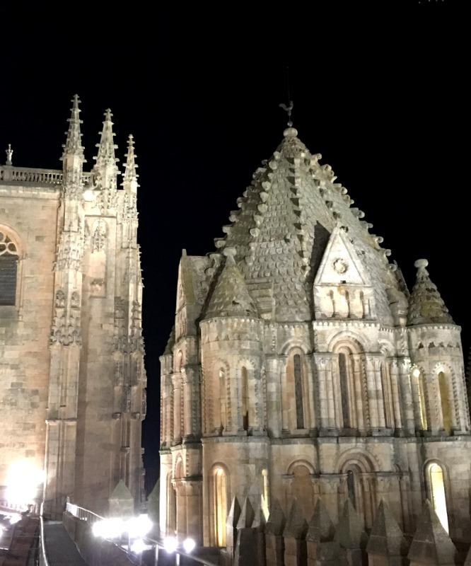 vistas nocturnas desde la terraza de la Catedral de Salamanca 2