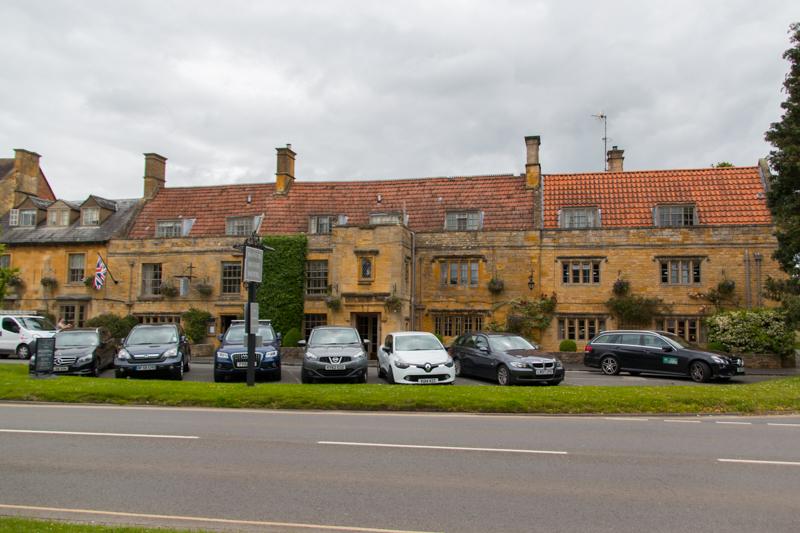 hotel de estructura típica en Moreton-in-Marsh
