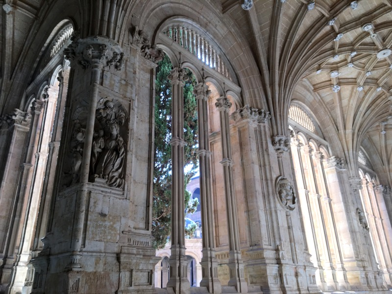 claustro del Convento de San Esteban en Salamanca 2