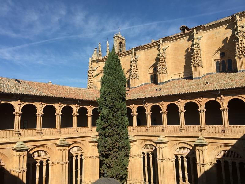 claustro del Convento de San Esteban en Salamanca 3