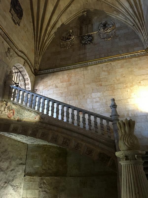 escalera del Convento de San Esteban en Salamanca