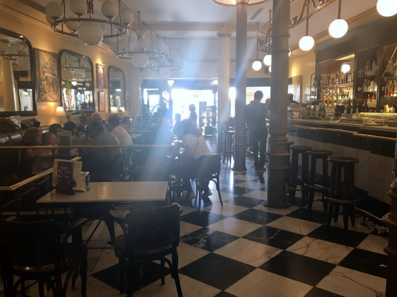 interior del Café Novelty en Salamanca