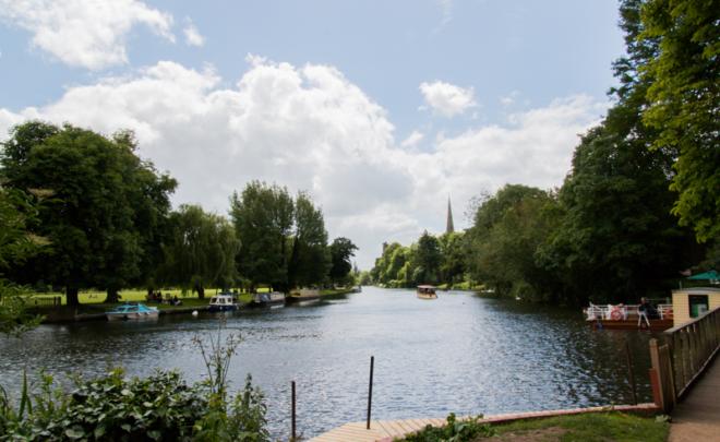 río Avon en Stratford-upon-Avon