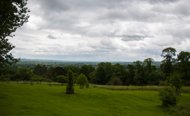 vistas de Los Cotswolds desde el Batsford Arboretum