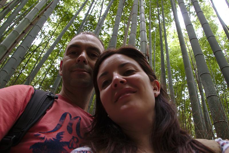 Lidia y Sergio en el Bosque de Bambú de Arashiyama en Kioto