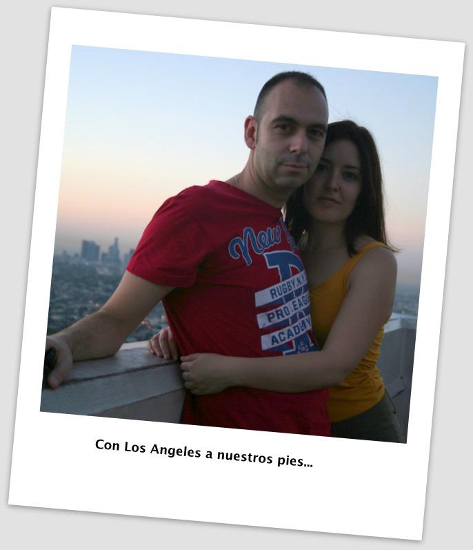 Lidia y Sergio en el Observatorio Griffith de Los Angeles con vistas a la ciudad