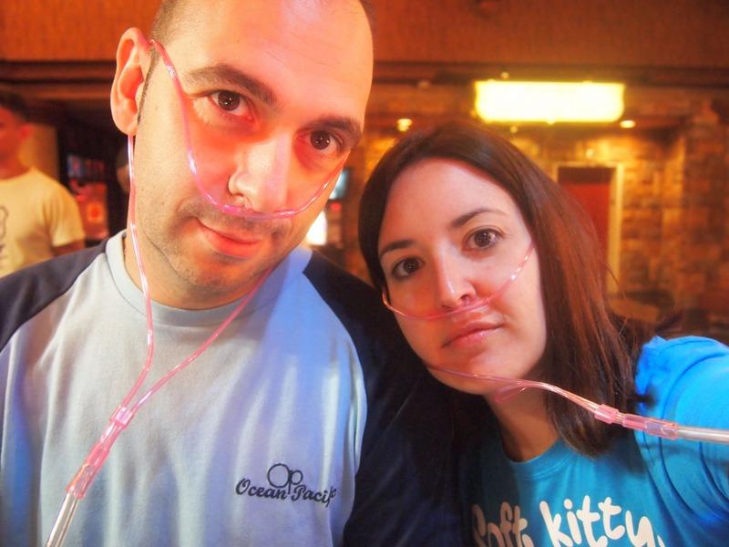 Sergio y Lidia en el bar de oxígeno del Excalibur en Las Vegas