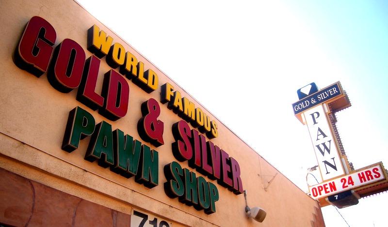 cartel de la tienda de empeños de la tv en Las Vegas