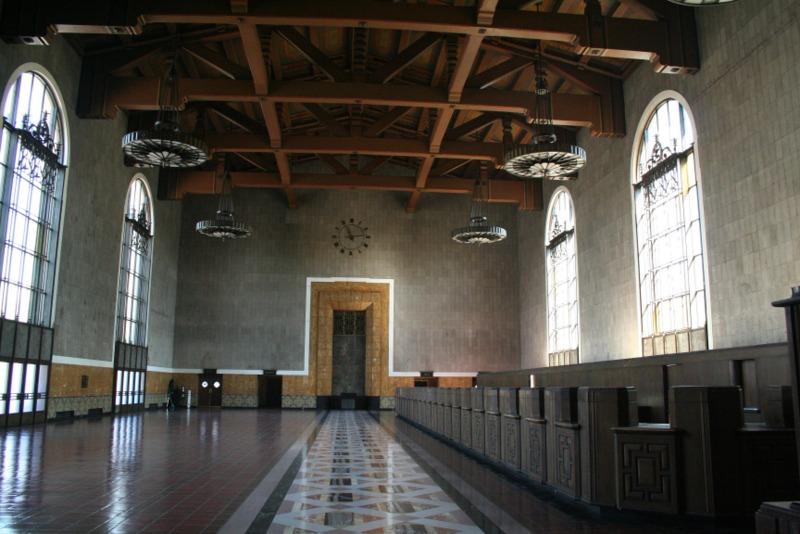 interior de Union Station en Los Angeles