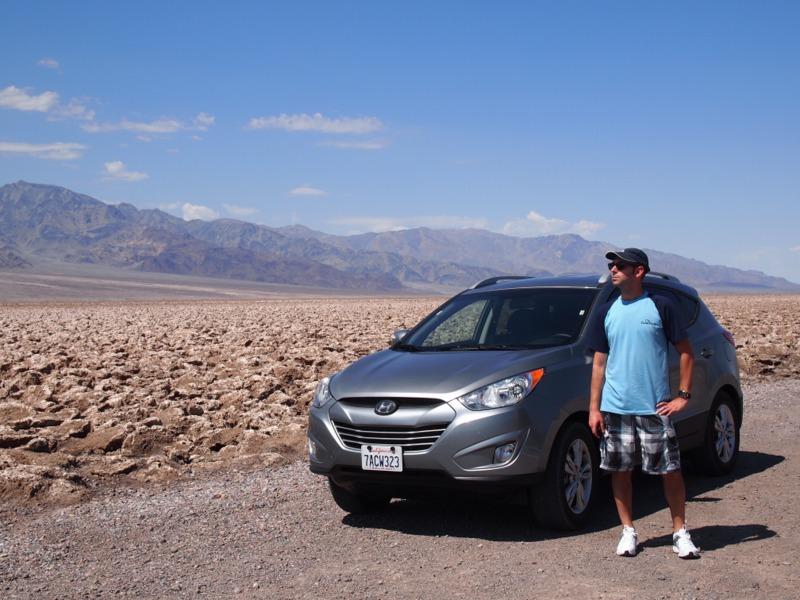 Sergio en Devil's Golf Course en Death Valley