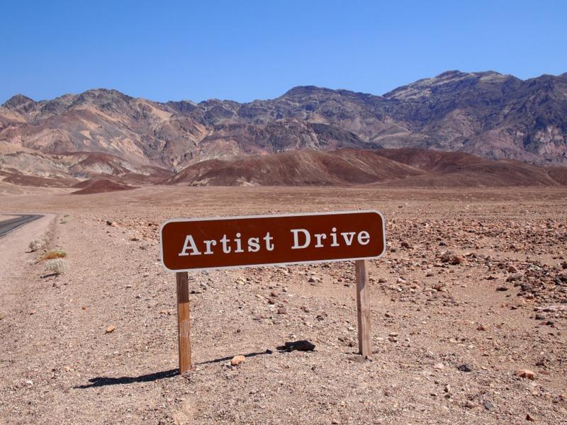 cartel indicación de la carretera Artist Drive en Death Valley