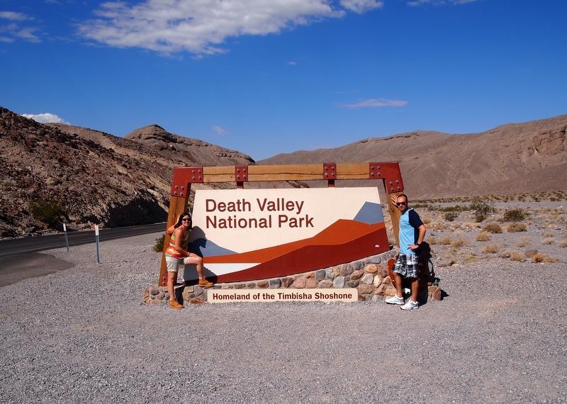 cartel de entrada al Parque Nacional de Death Valley