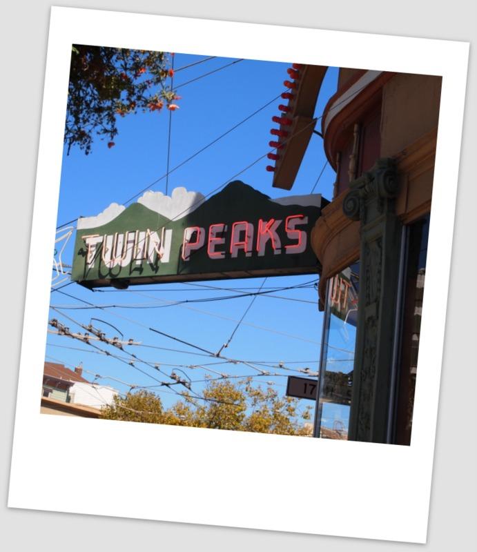 cartel del bar Twin Peaks en el barrio de Castro en San Francisco