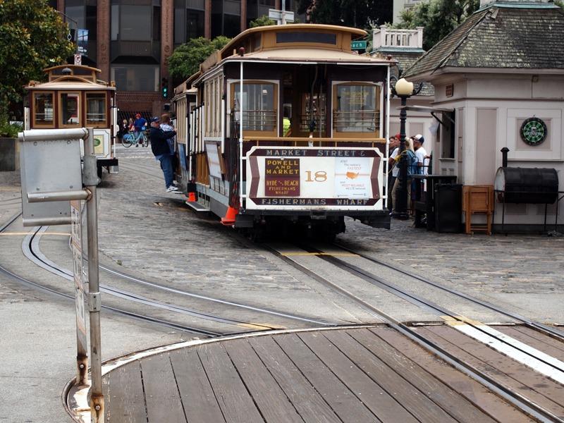 primera/última parada del cable car en Ghirardelli Square en San Francisco