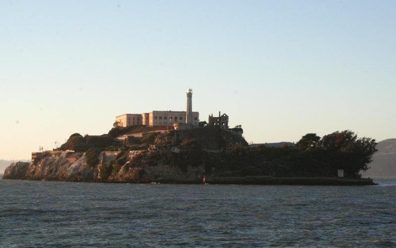 isla de Alcatraz desde el ferry 1-001