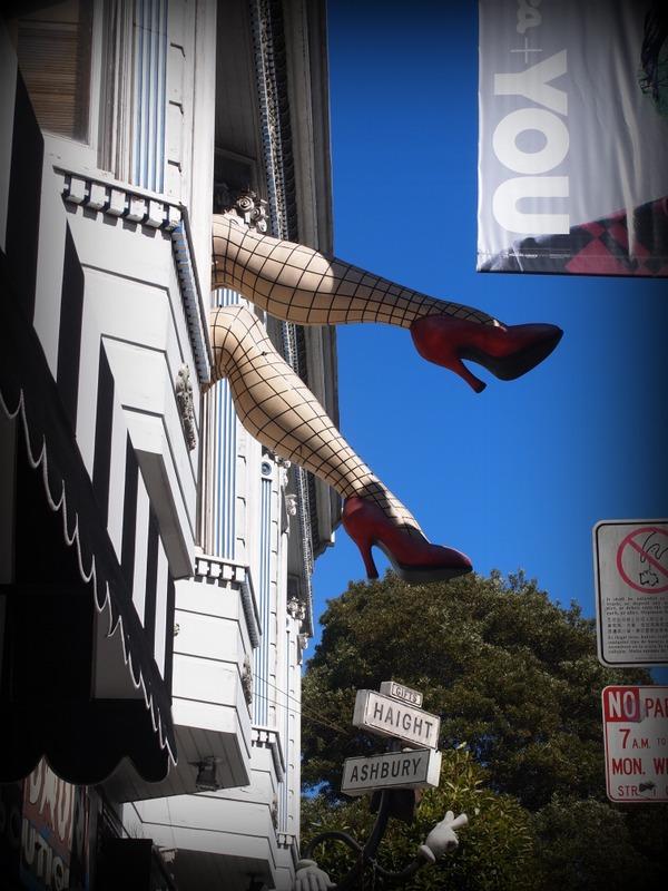 piernas en el barrio Haight Ashbury de San Francisco