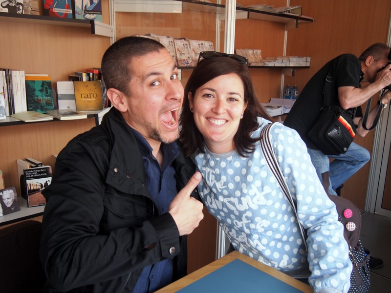 Lidia con Rodrigo Cortés en la Feria del Libro de Salamanca
