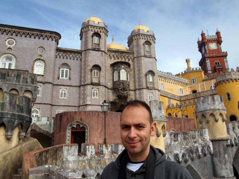 Sergio en el Palacio da Pena en Sintra
