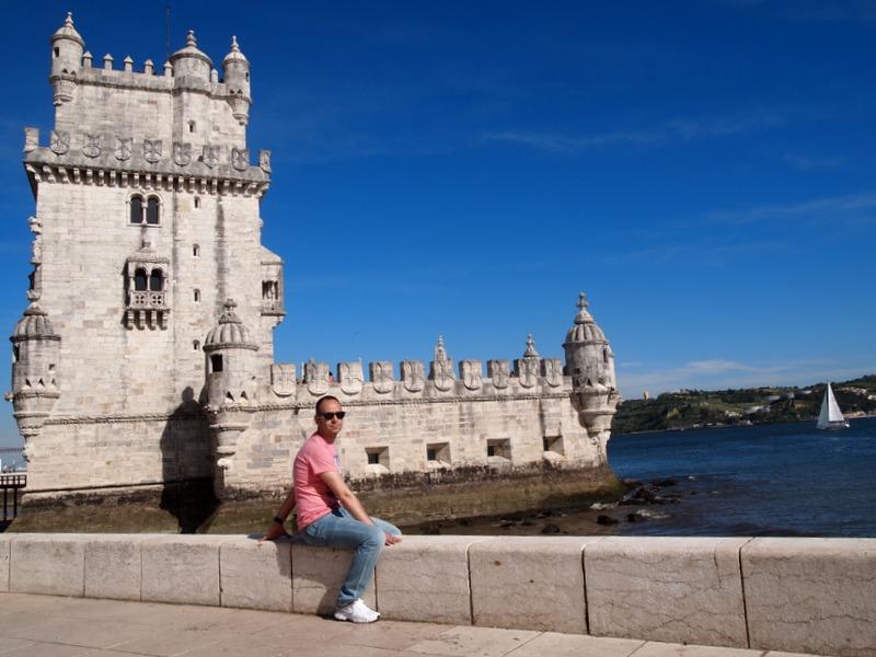 Sergio en la Torre de Belém de Lisboa