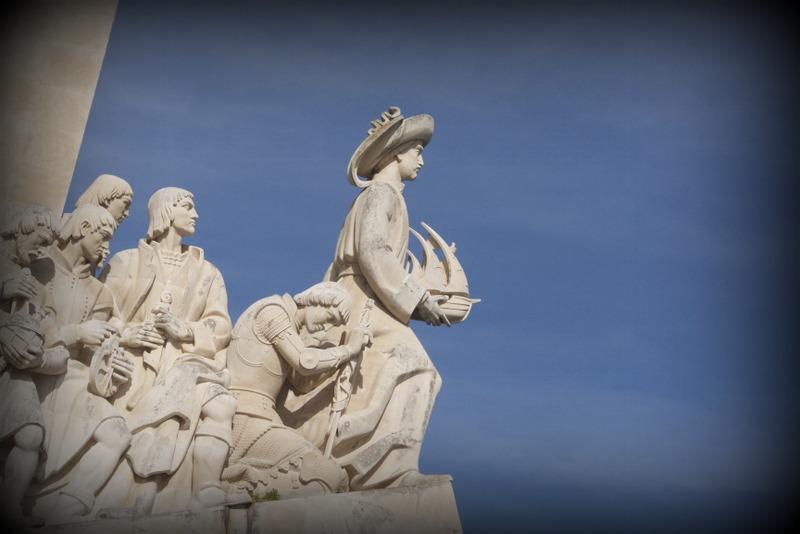 detalle del Monumento a los Descubrimientos en el barrio de Belém