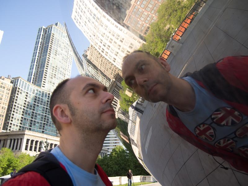 foto chorras de Sergio en The Bean del Millenium Park de Chicago