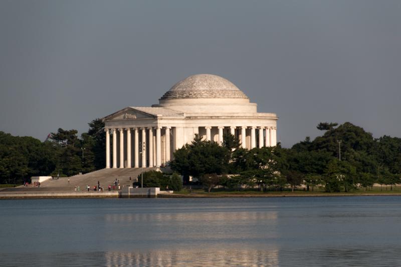 Memorial de Thomas Jefferson visto desde el Memorial de Luther King en Washington DC