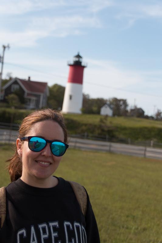 Lidia en el faro Nauset Light en Cape Cod Massachussets
