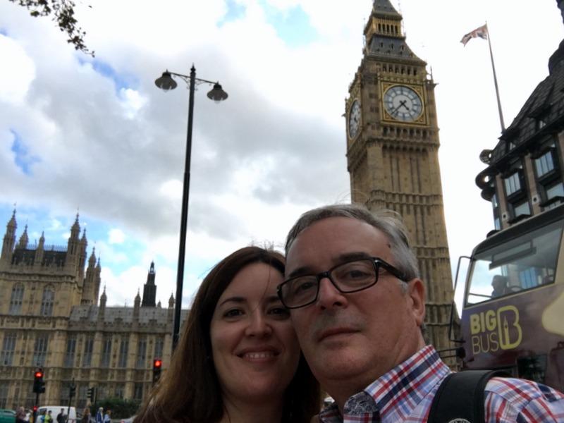 delante del Big Ben en Londres