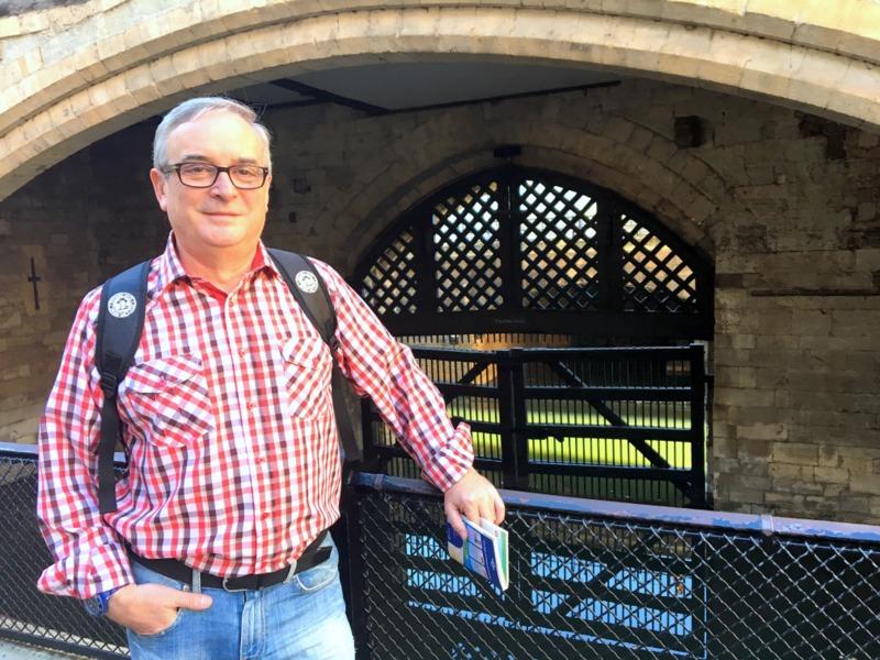 en la Puerta de los Traidores de la Torre de Londres