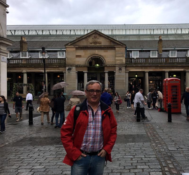 en la entrada del mercado de Covent Garden Londres