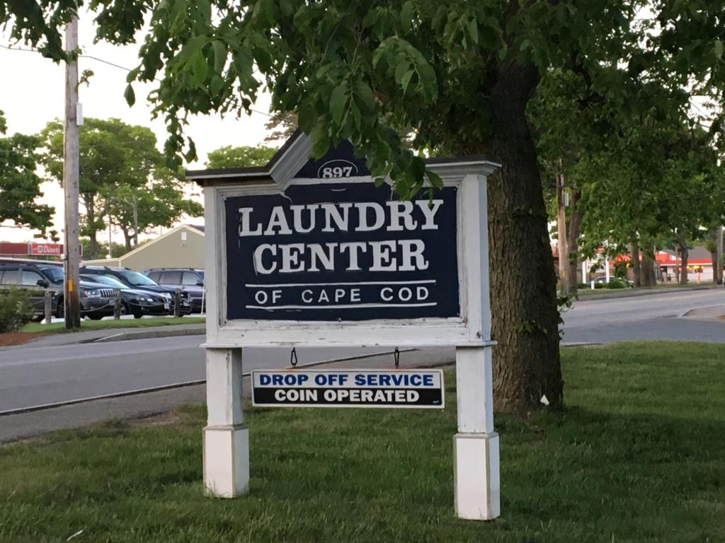 lavandería en Cape Cod Massachussets - cartel entrada