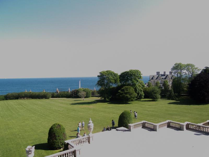 vistas desde la terraza de la mansión The Breakers en Newport Rhode Island