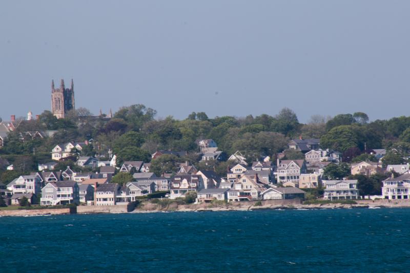 vistas de Newport desde la mansión The Breakers en Newport Rhode Island