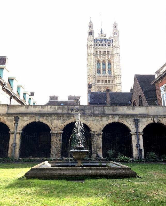 claustro de la Abadía de Westminster en Londres