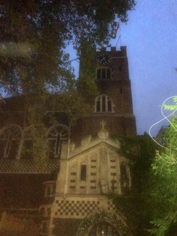 fachada de la Iglesia de St. Bartholomew en Londres