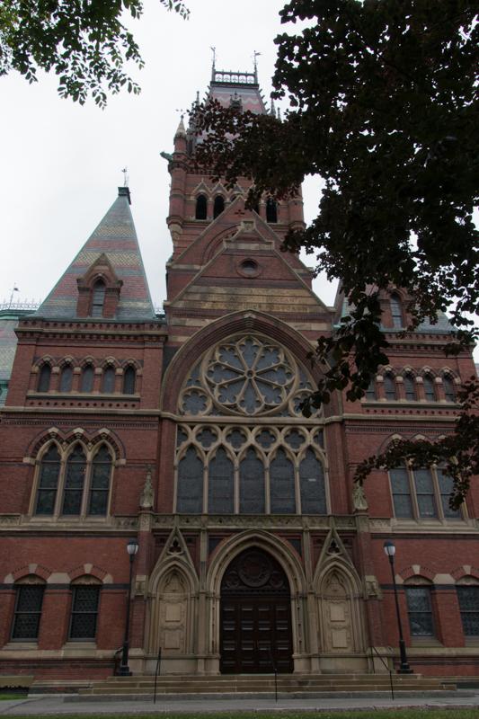 Memorial Hall en la Universidad de Harvard en Boston 2