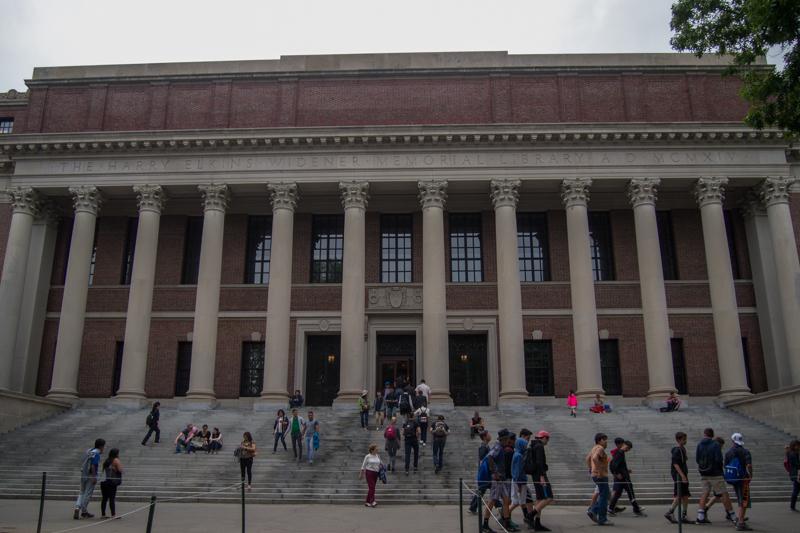 Biblioteca Widener en el campus de la Universidad de Harvard