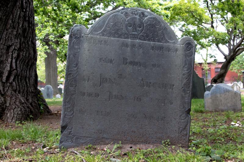 tumba en cementerio de Salem