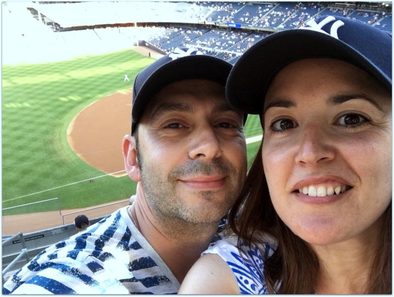 Lidia y Sergio en el estado de los Yankees de Nueva York