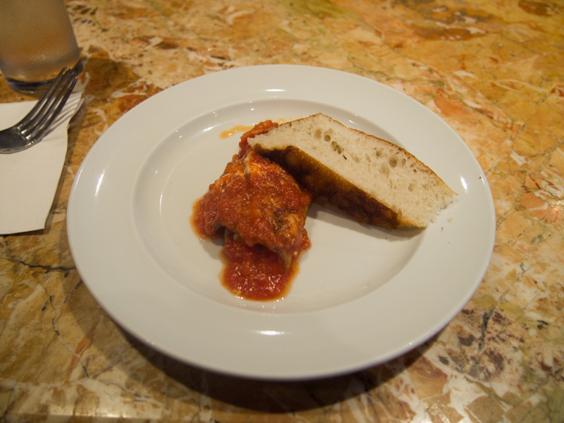 berenjenas a la parmesana del restaurante Rafele de Nueva York