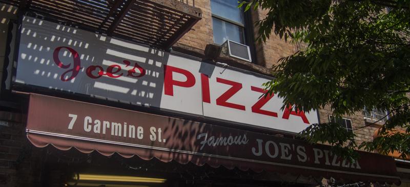 fachada del Joe's Pizza de Nueva York