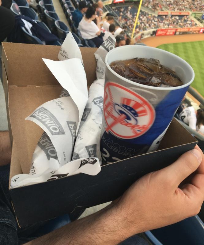comida en el estadio de los Yankees de Nueva York