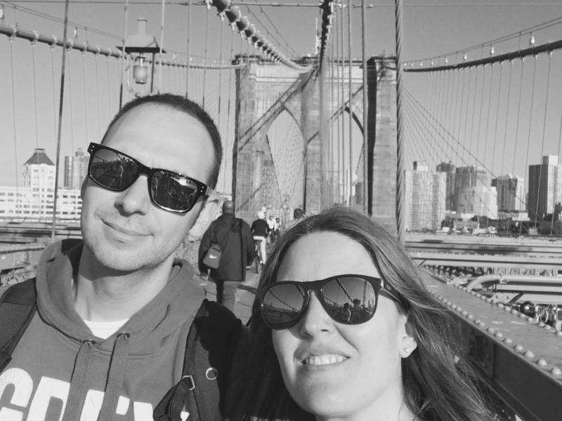 Lidia y Sergio en el Puente de Brooklyn