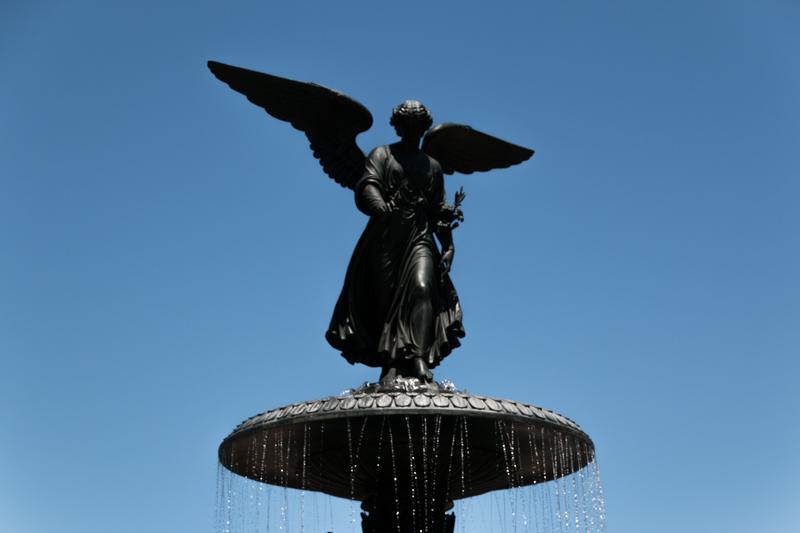 el Angel de las Aguas de la Fuente Bethesda de Central Park en Nueva York