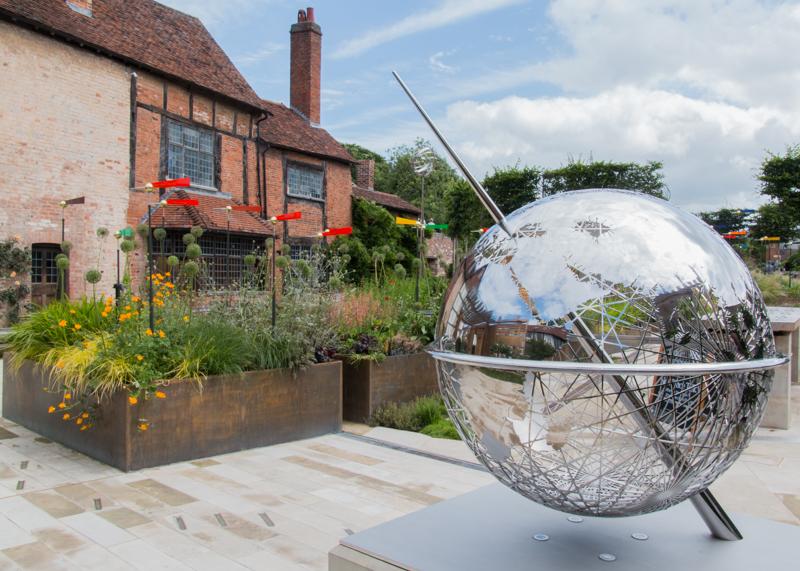the Globe en Shakespeare's New Place en Stratford-upon-Avon